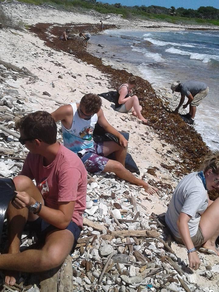 Utila Beach Clean (5)