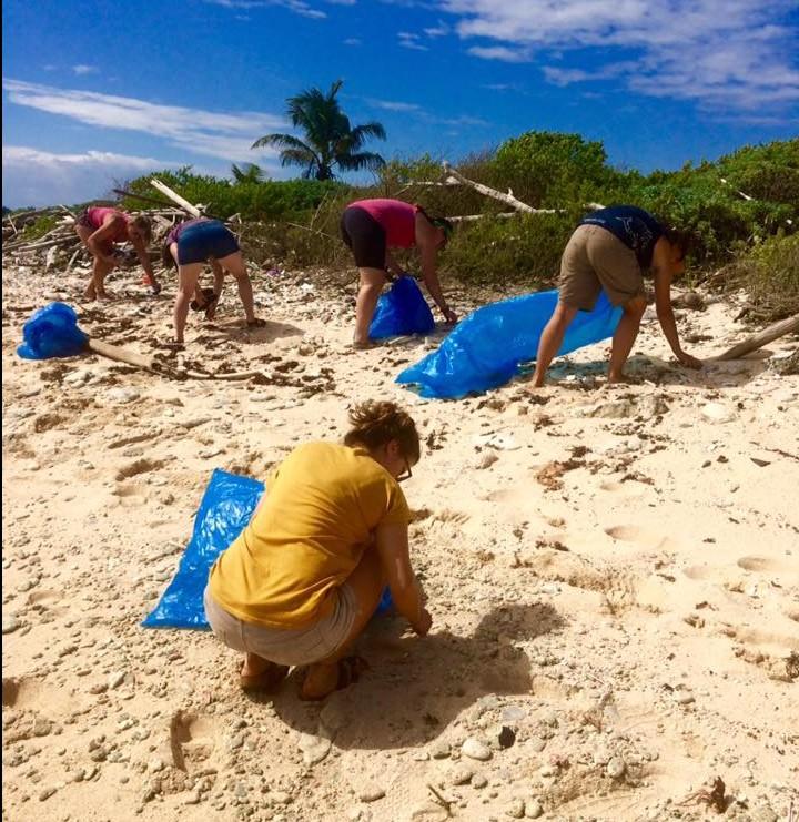 Utila Beach Clean (9)