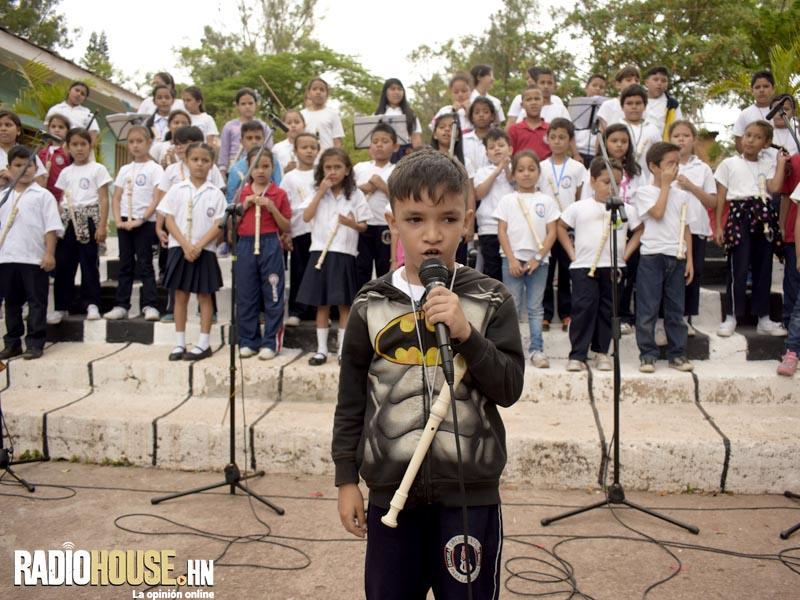 ESCUELA ESPERIMENTAL DE MUSICA (44)