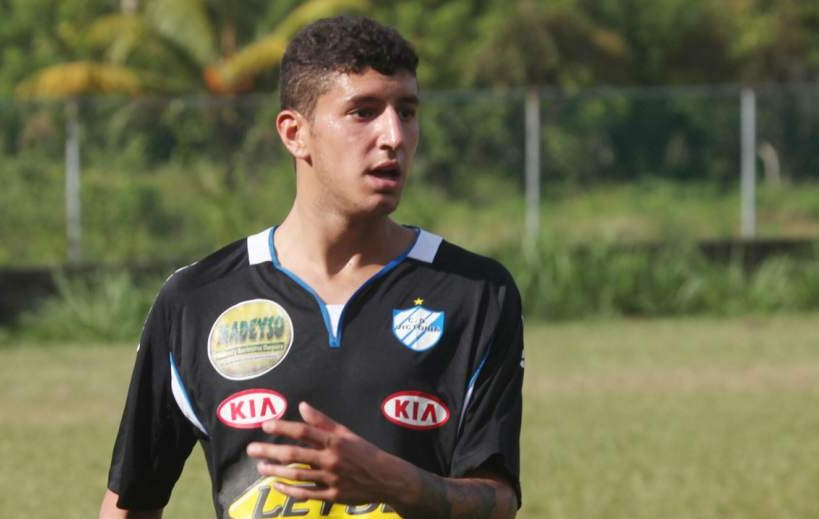 Lucas Catrini con el Victoria. Foto del Diario Deportivo Diez.