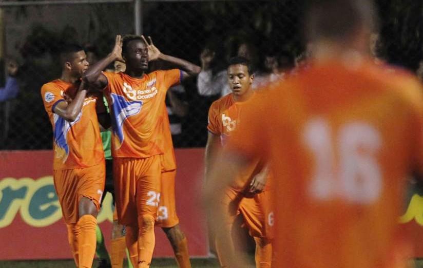 La UPNFM ganó el partido con un marcador de 1-2 a su favor. Foto de Diario La Prensa.
