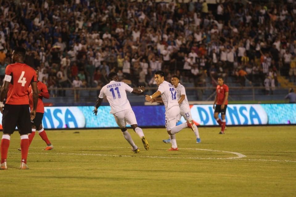 Jonathan Rubio destacó al marcar gol, dar una asistencia y recibir la falta penal.