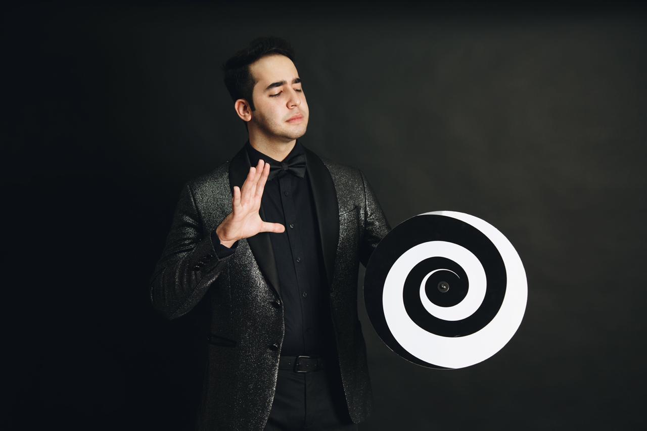 Con tan solo 22 años, el mago Daniel Vega celebra 10 años de carrera  artística - RadioHouse