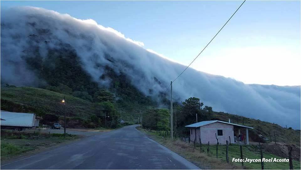 A 2,600 metros sobre el nivel del mar el cerro El Pelón es el lugar más  frío de Honduras - RadioHouse